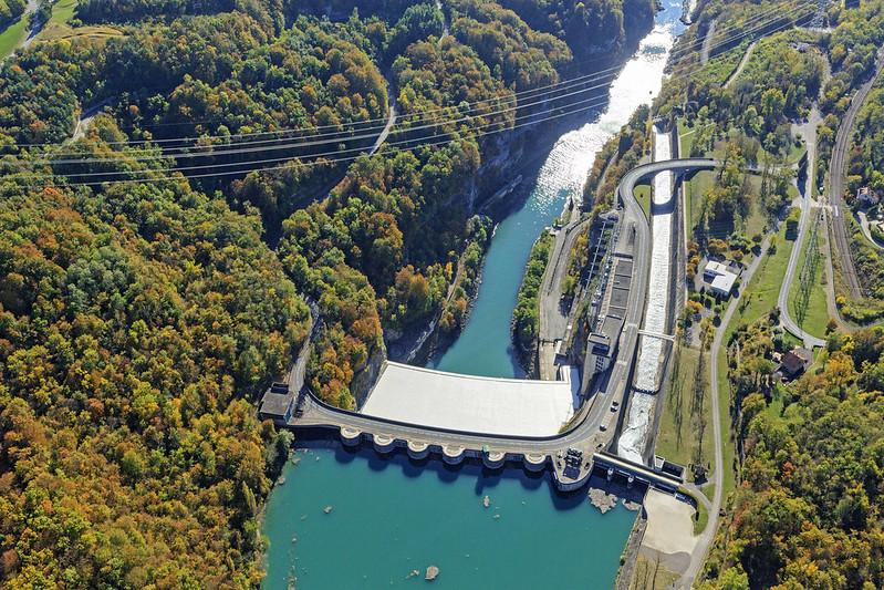 centrale-hydraulique-génissiat-@c (1)
