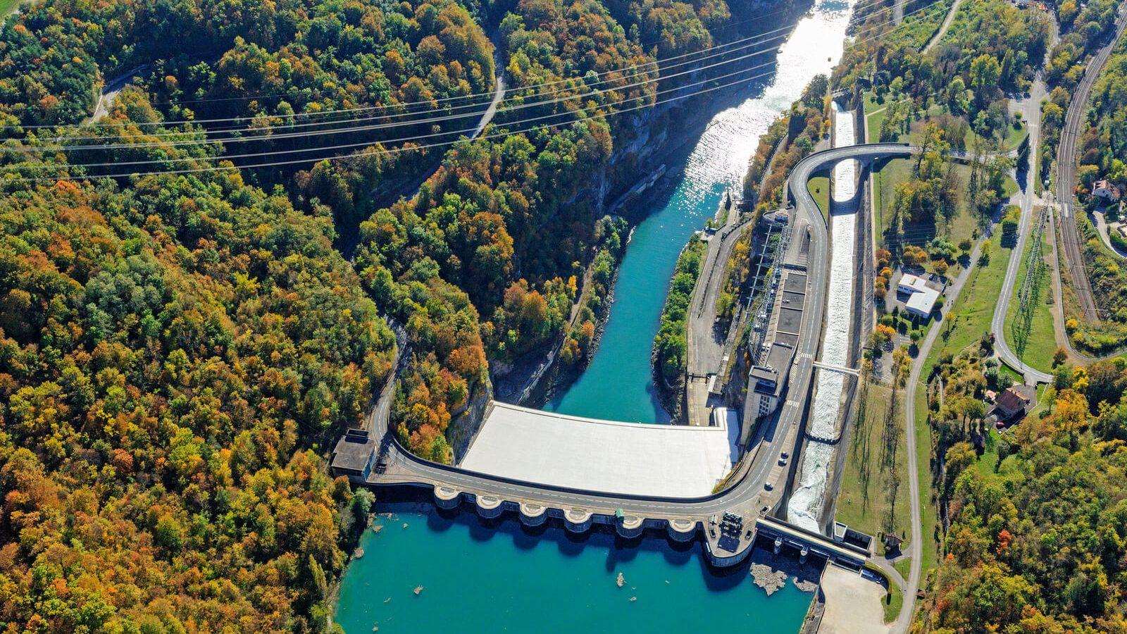 Le barrage-centrale de Génissiat, le «Niagara français»