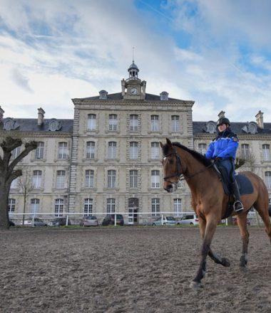 LES COULISSES DE LA GARDE RÉPUBLICAINE (Vincennes)