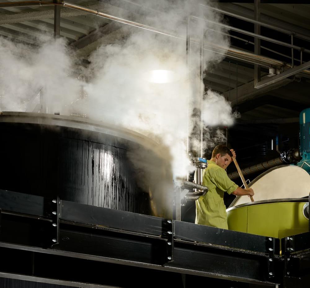 rampal-latour-chaudron-usine-moderne